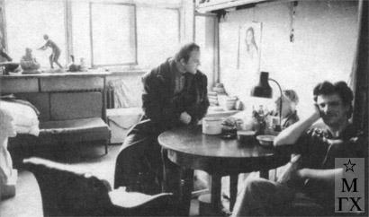 В мастерской Нисс-Гольдман на Масловке. 1989. Слева направо: А. Шмидт, Н.И. Нисс-Гольдман, Е. Одинцов.